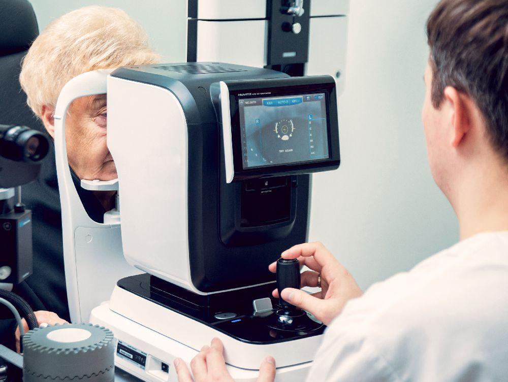 autorefraktometria antaa suuntaa-antavan tuloksen asiakkaan taittovirheestä