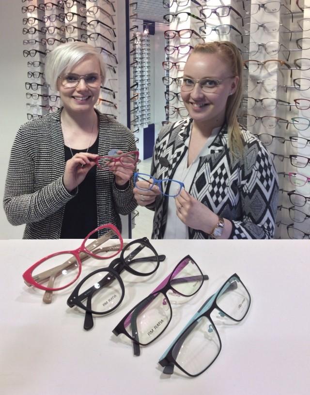 Optikko Nina ja optinen myyjä Laura esittelemässä kevään kehysvärejä